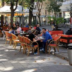 Uživanje u zlatnoj jeseni uz kafu od 50 dinara