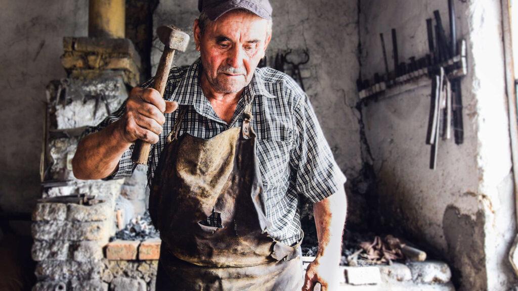 Majstoru Živanu i u devetoj deceniji u krvi je vatra