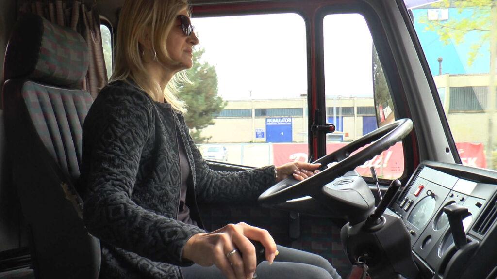Svetlana vozi kamion od 40 tona