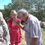 Kako se od udaranja glavom o kamen postaje mudriji (VIDEO)