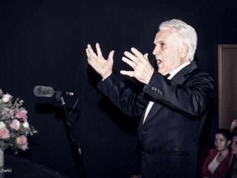 Маестро са диригентском палицом у руци већ пет и по деценија